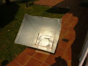 Forno solare con riflettori